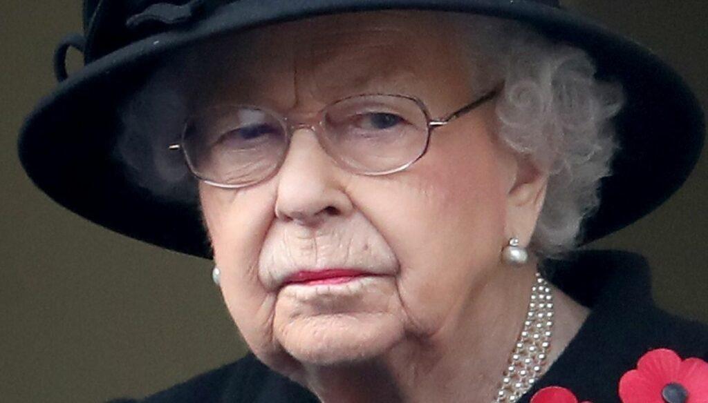 Queen Elizabeth, tension in Windsor: two intruders break in