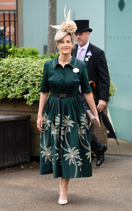 """Sophie from Wessex """"width ="""" 437 """"height ="""" 694 """"srcset ="""" https://tipsforwomens.org/wp-content/uploads/2021/06/1623949362_721_Kate-Middleton-snubs-Royal-Ascot.-And-Sophie-from-Wessex-steals.jpg?resize=437,694 437w, https://tipsforwomens.org/wp-content/uploads/2021/06/1623949362_721_Kate-Middleton-snubs-Royal-Ascot.-And-Sophie-from-Wessex-steals.jpg?resize=189,300 189w """"sizes ="""" (max-width: 437px) 100vw, 437px"""