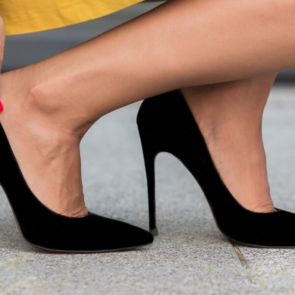 Pointed shoes, hallux valgus: history says it