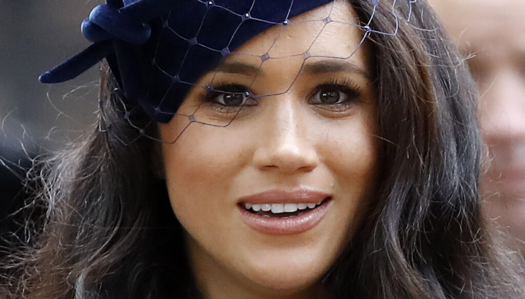 """""""Meghan Markle returns to London with Harry"""". She denies it and the Queen is not upset"""
