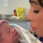 Belen mom, little Luna Marì meets Santiago: the video on Instagram
