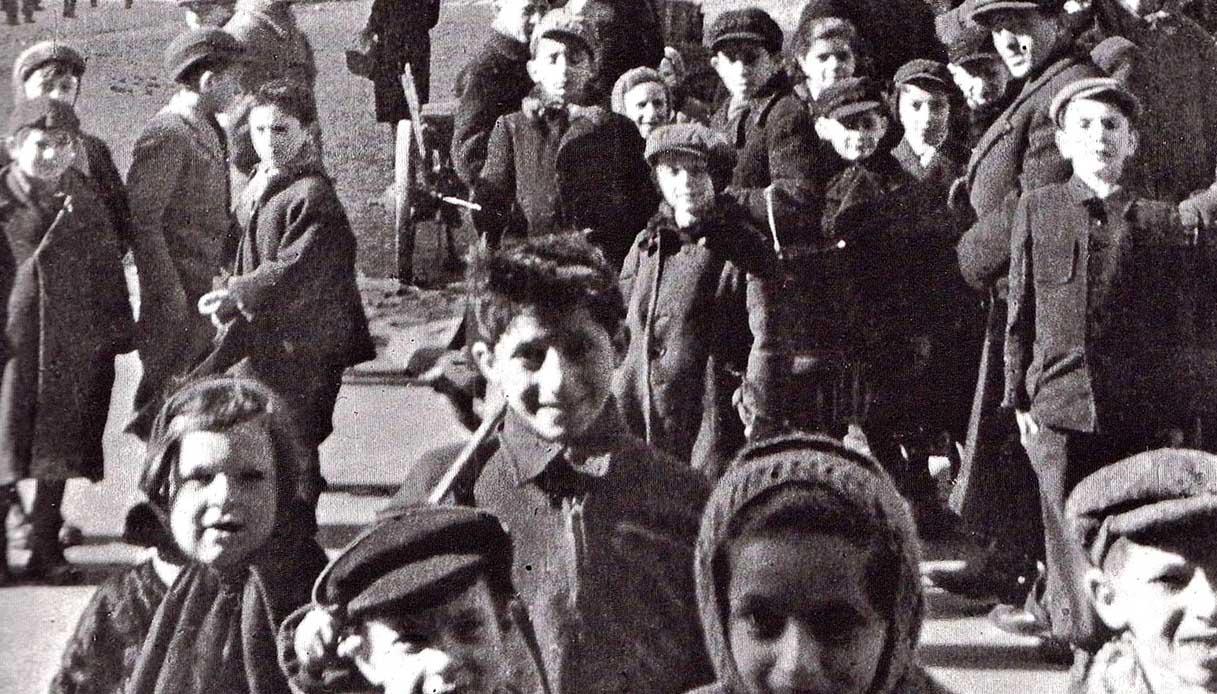 the children of the Warsaw ghetto