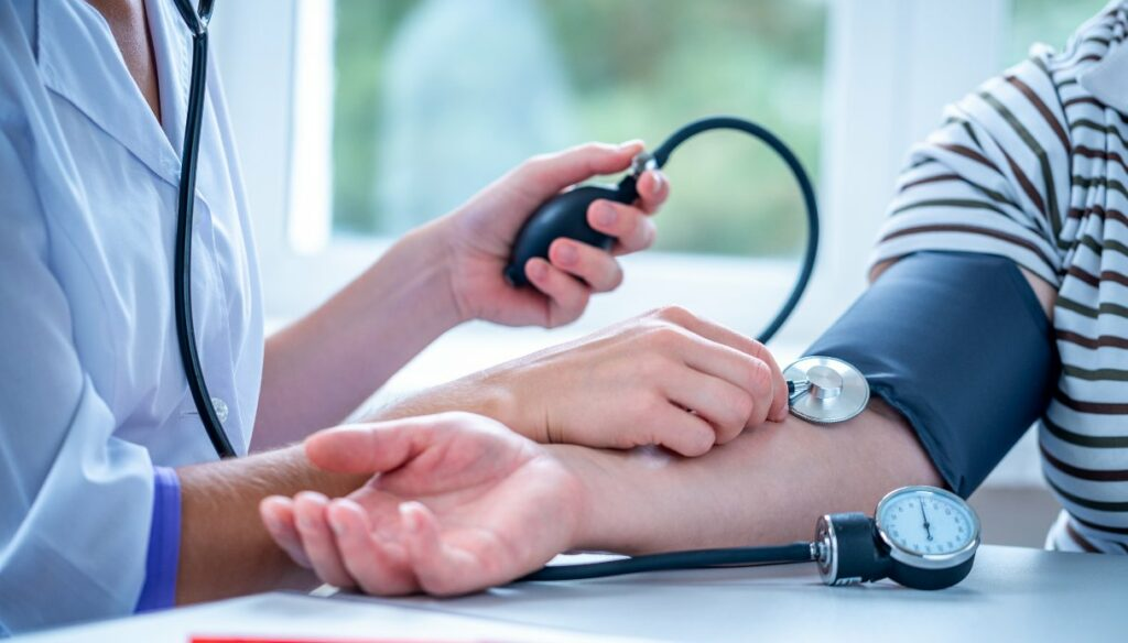Low blood pressure: causes, what to eat and natural remedies