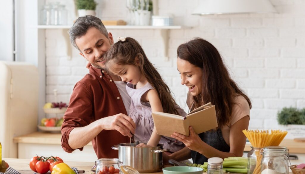 Organized parents are happier. Here are the points to follow