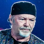"""Vasco Rossi was injured, the social announcement: """"Fortunately, nothing serious"""""""