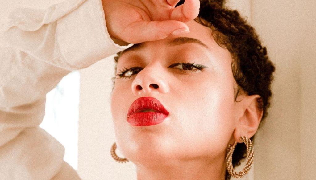afro girl black full lips red lipstick
