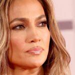 Jennifer Lopez Makeup Overlined Lips