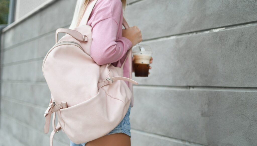 Backpacks brands for girls: here are the coolest ones