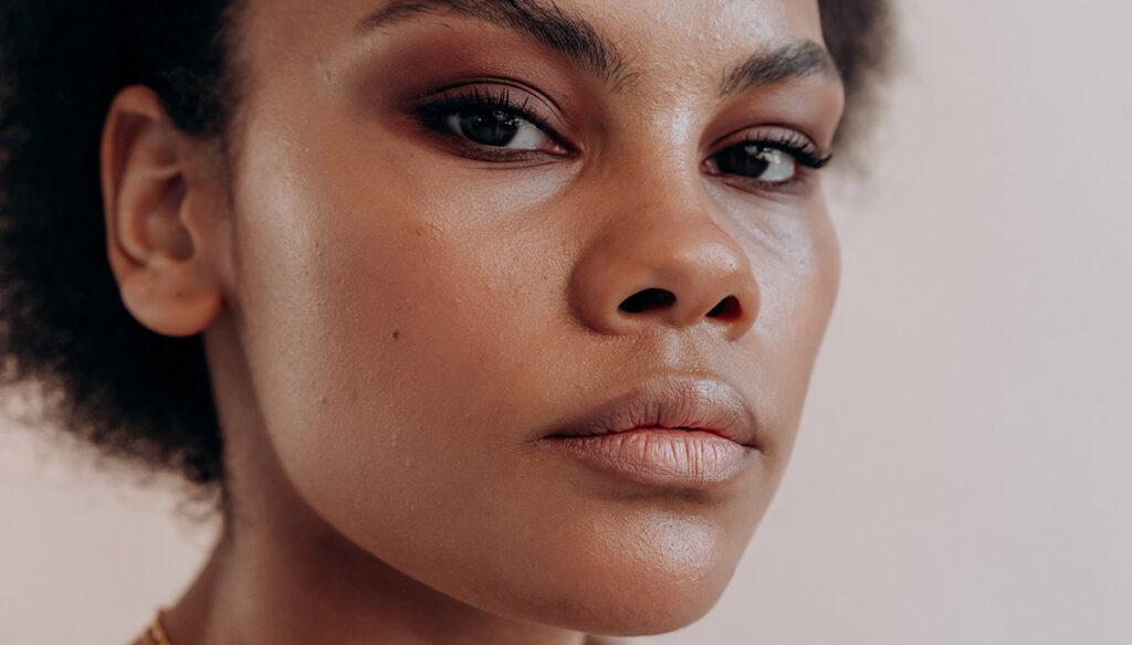Come ingrandire le labbra in modo naturale: prodotti e consigli