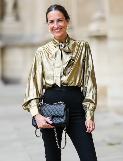 Lavallière shirt: here's how to wear the blouse with a bow collar